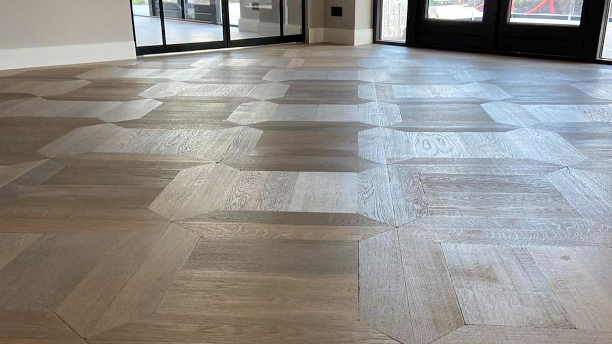 Afwerkingen van een houten vloer